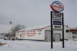 Darryl's Tire & Service Center Banner